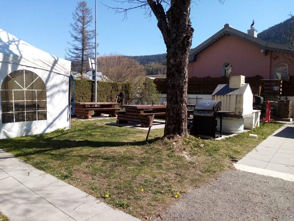 Tables de pic nic du camping de Vallorbe